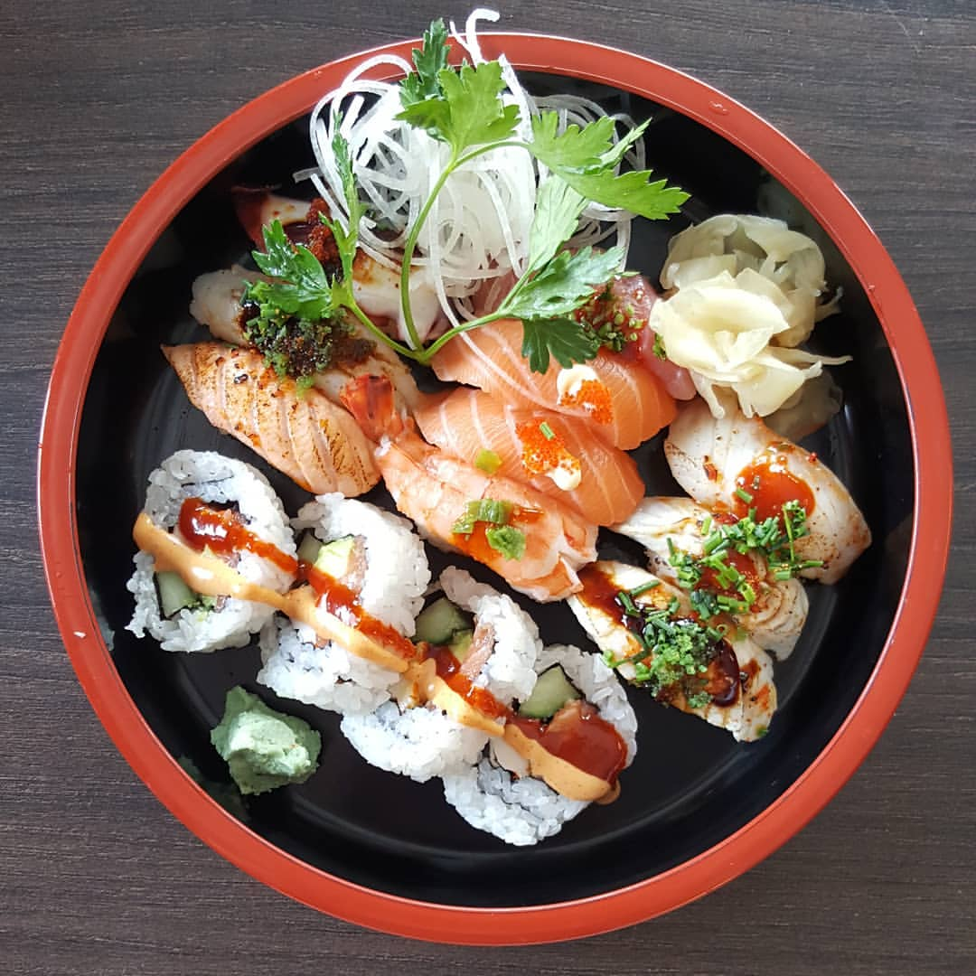 Pikae Krub_Zugoi Sushi_29716677_351991495287382_2726142702004469760_n